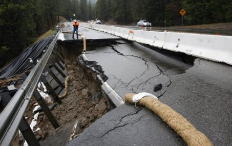California resident evacuate after a levee breech