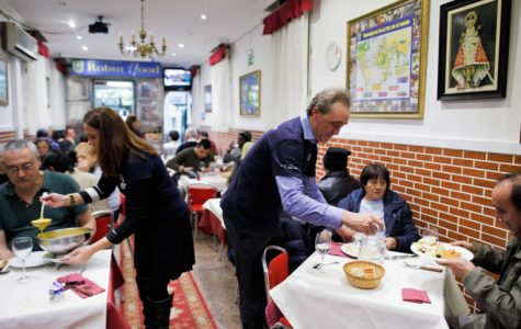 Restaurant in Spain serves paying clients by day, homeless people by night