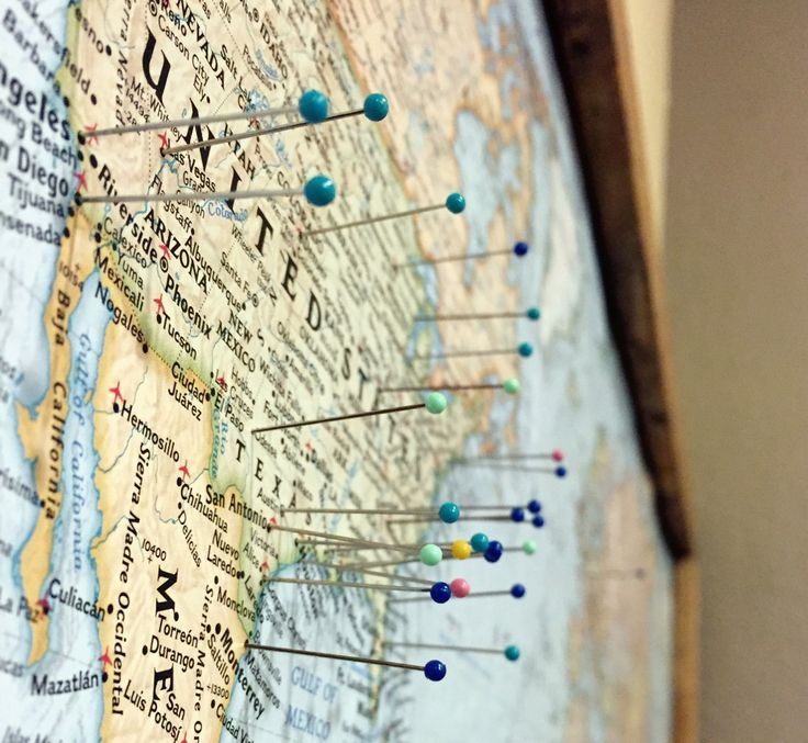 BEAUTIFUL PLACES TO TRAVEL IN The Voyager - Travel wall map with pins