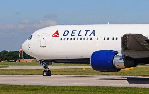 Delta Plane Makes An Emergency Landing in Atlanta