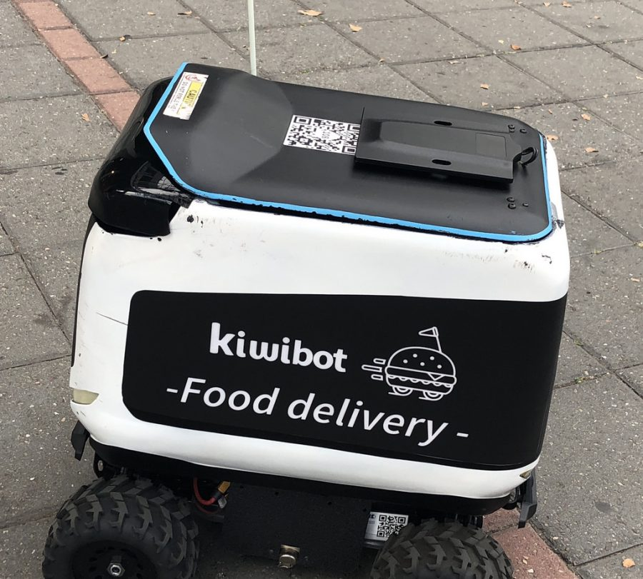Kiwibots – The Tiny Deliverymen